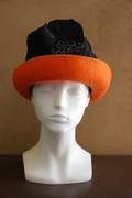 orange-black crusher hat for womenwith felt brim and fabric crown