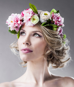 floral_crown_daisy_flowers_halo_bridal_summer_festival_accessory
