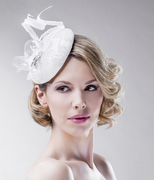 off_white_grey_slver_rhinestones_fascinator_headpiece_head_piece_ella_gajewska