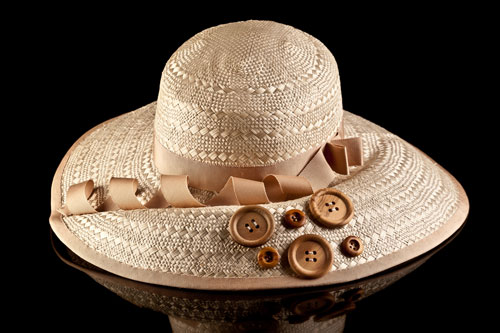 """STRAW BLOCKED HAT """"MAGIC OF BUTTONS"""""""