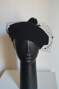 Black beret with veiling by Anastasia Frei