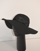 Floppy Hat by Anastasia Frei