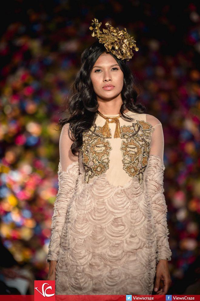 Syeda-Amera-Collection-at-Fashion-Parade-2015-6