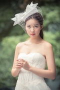 Straw hat with statement bow