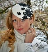 Mini Felt Beret Hat with Lace Applique