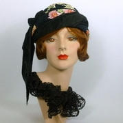 Black and Flowered Patterned Turban Style Hat