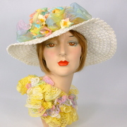 White Straw Wide Brim Picture Sun Hat