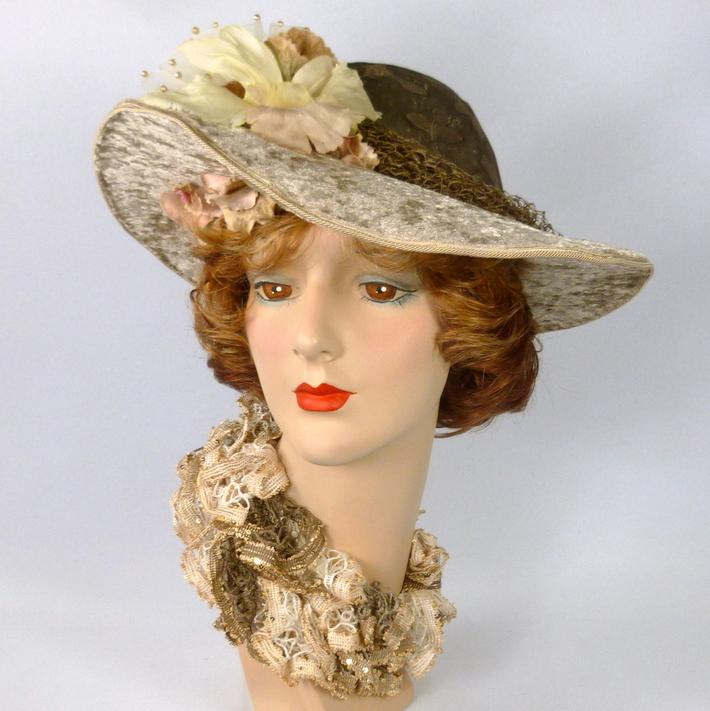 Beige Velvet Picture Sun Hat