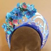 metallic blue cut crown spring racing 2