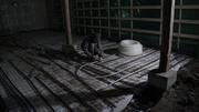 Laying the underfloor heating...