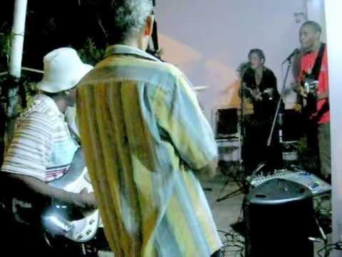 Los Canarios Tiene ft.Phillippa Greenidge
