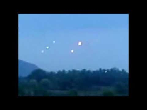 UFOs OVER INDIA AMAZING FOOTAGE - April 2011