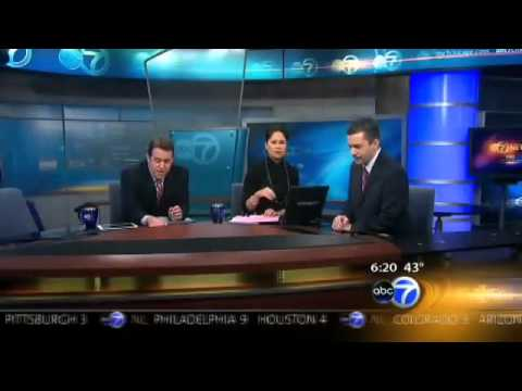 ABC News - UFO OVER ILLINOIS / SOUTH CHICAGO ON NEWS (4 APRIL 2011)
