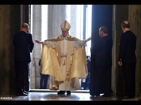 Papa abre Porta Santa e dá início ao Jubileu da Misericórdia