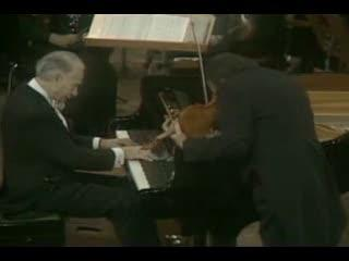 Victor Borge improvising on the piano