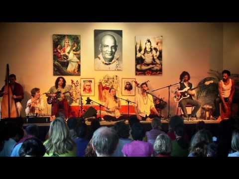Ma Durga - Janin Devi and Band