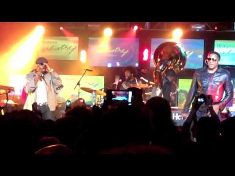 Q-Tip x Black Thought - Straight Outta Compton (Live In Chicago)