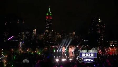 Nicki Minaj - Moment 4 Life Save Me (New Years Eve with Carson Daly Live)
