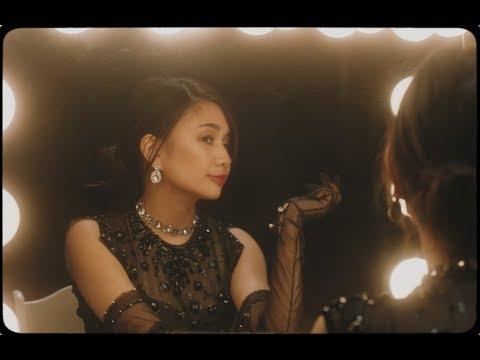 NIKI - Newsflash! (Official Music Video)