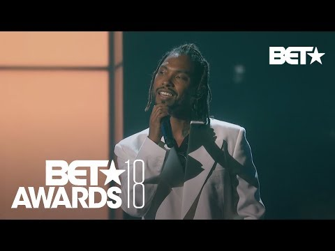 """Miguel Performs """"Come Through and Chill"""" & """"Sky Walker""""! 