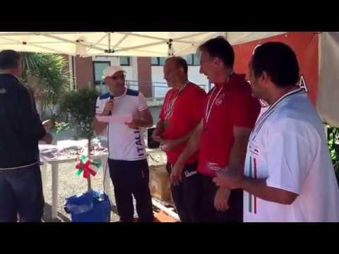 Pistoia :premiazione Campionato italiano pentathlon lanci : Vizzoni premia i bimbi SM45 Lo Nano,Remu