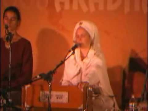 Snatam Kaur and Guru Ganesha Singh1