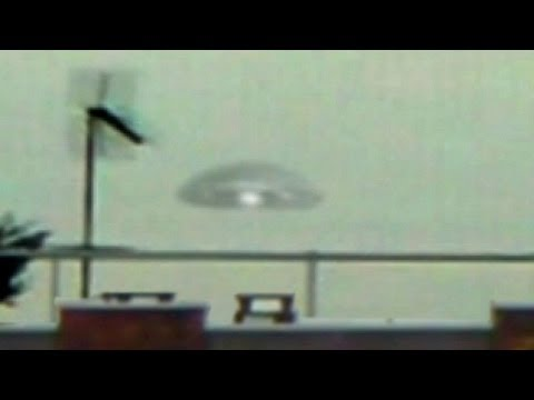 Breaking News! MAJOR UFO Sighting Military COVERUP? Flying Saucer Lands in Secret Base, Dec 2013
