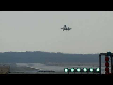 F-35B Lightning II 40 knt Approach and Landing