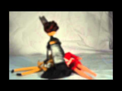 Lady Adeline Vs. Tressy (Stop motion Epic Battle)