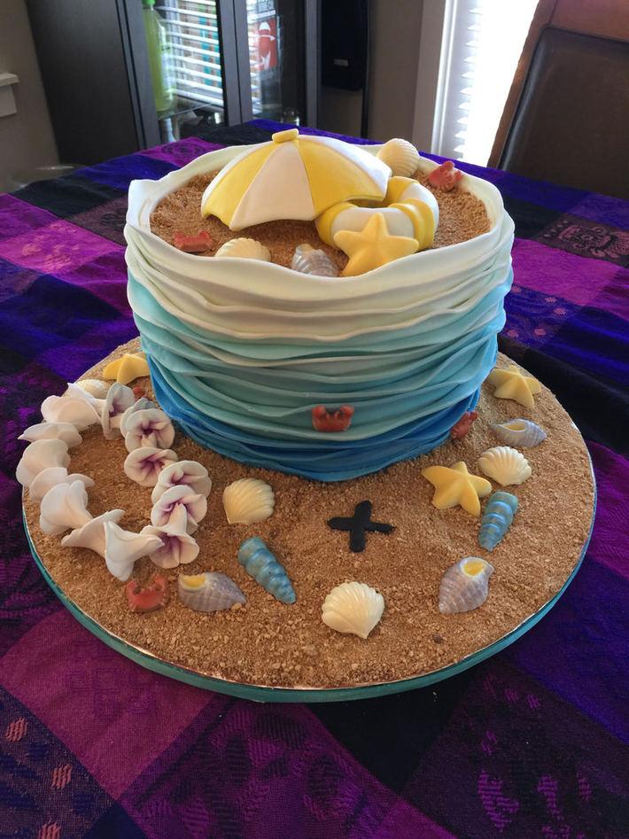 Gwen beach cake 1