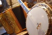 Banjo and box