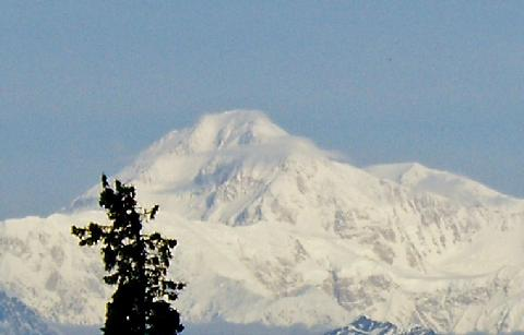 480_Denali_Peak_closeup