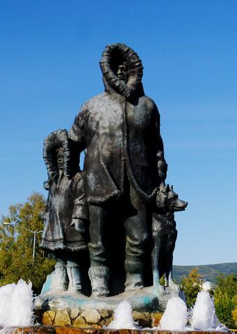 Eskimo_Statue