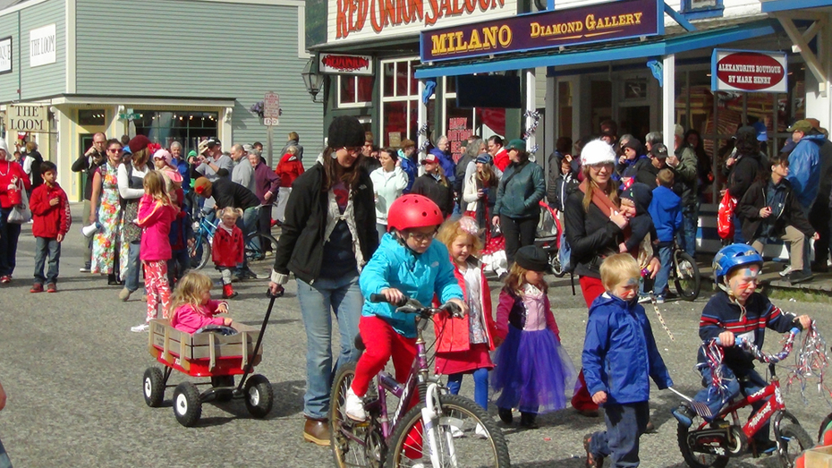 Childrens parade 5