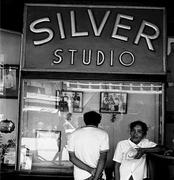 """นิทรรศการภาพถ่าย """"ซิลเวอร์ปริ๊นท์ สตูดิโอ"""" (Silver Studio)"""
