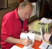 Jean-Philippe Querton rencontre ses lecteurs à la bibliothèque de Lessines le 12 janvier 2011.