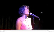 """Brigitte Hallet chante """"Dans la maison"""" pour ACTU-tv"""