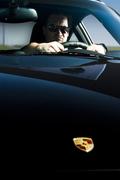 Histoire de l'homme qui était rentré en Porsche dans le magasin de photocopies
