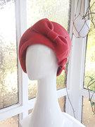 Red-felt-beret-3