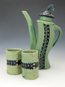 Teapot with mugs