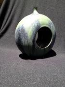 Toroid Vase (SCM Cool, Obsidian)