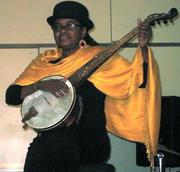 Angela_plays_Banjo@OPC_2