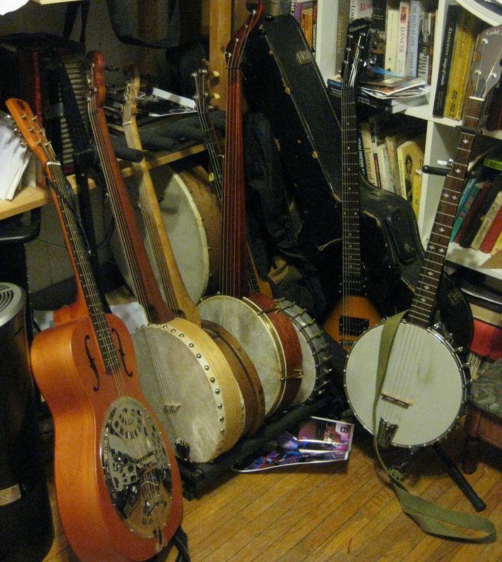 The Heap (way too many banjos)