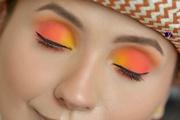 Huda Beauty Orange Obsession