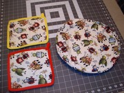 Pot Holders and Tortilla Warmer / Cooking bugs