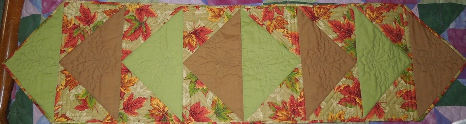 Autumn tablerunner