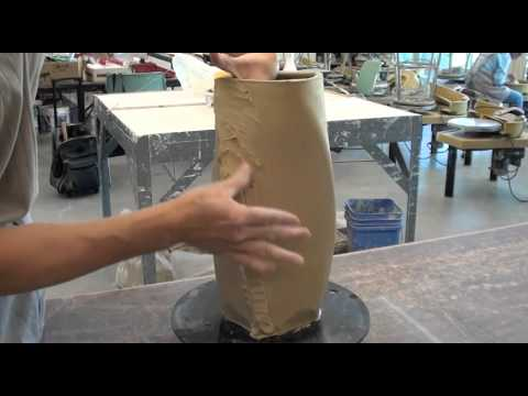 Throwing / Making / Altering a Square Vessel with Hsin-Chuen Lin
