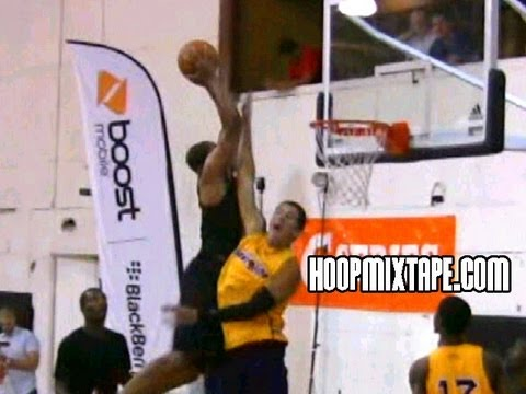 Derrick Williams Dunks ALL OVER 2 People At The Elite 24 Midnight Run!