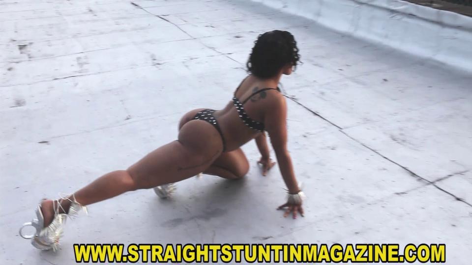 Jhonni Blaze - Straight Stuntin Magazine