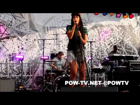 Solange Brings Out Juelz At Northside Brooklyn Festival